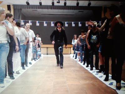 COALMINE FEET nouveau danse de Guerit.....en rouleaux tapis papier