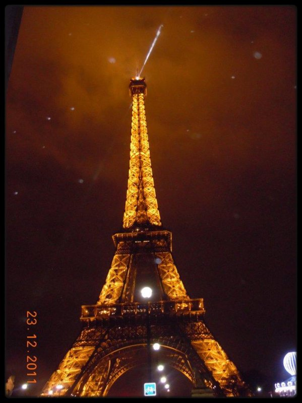 Il paraît que Paris, c'est magnifique.#