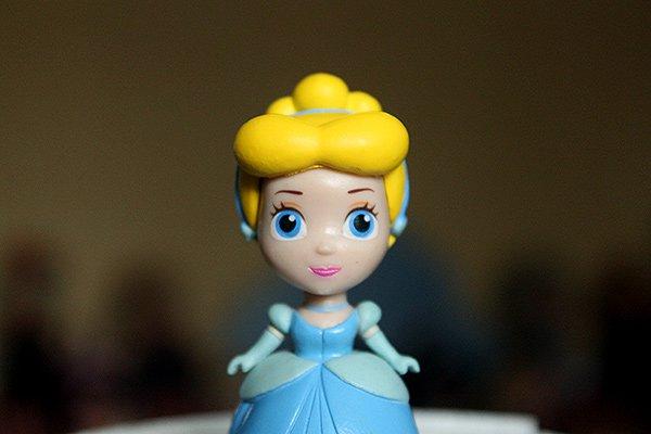 Figurine Cendrillon Tomy