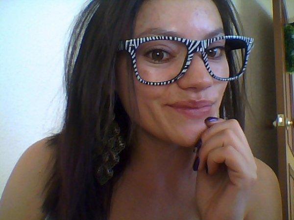 avec mon style de lunettes zèbre...