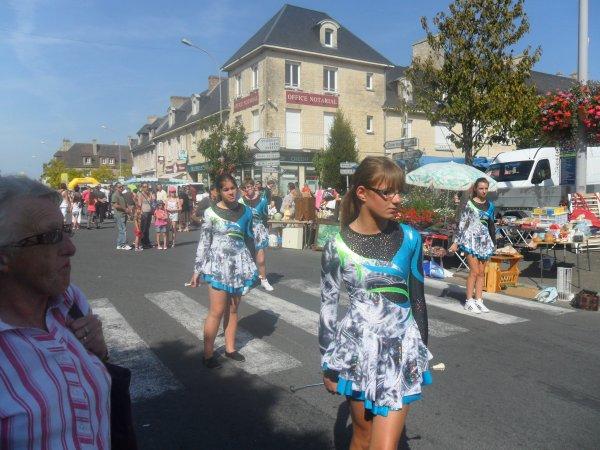 Défilé à Aunay sur Odon le 09/09/2012 pour le fête Notre-Dame