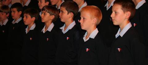 Église comble pour les Petits Chanteurs à la Croix de Bois... (Bollène)
