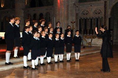 Concert des Petits Chanteurs à la Croix de bois à la basilique Une école de vie... (REIMS 51)
