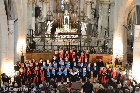 Le public redécouvre la collégiale avec les Petits Chanteurs à la Croix de Bois