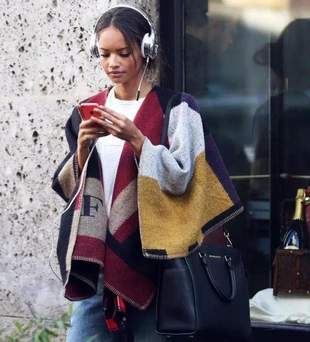 FASHION PEOPLE HEADPHONE TIDE
