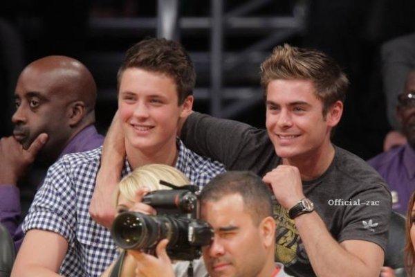 Zac le 3 et le 5 janvier 2012 et une photo avec son frère