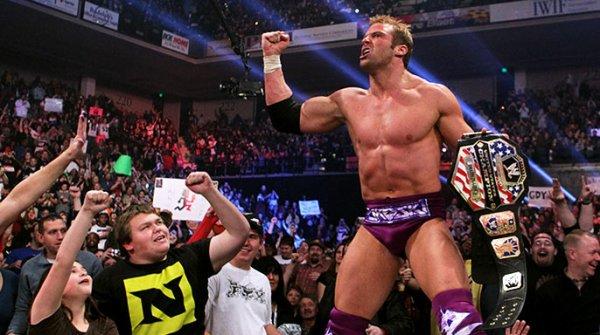 Zack Ryder bat Dolph Ziggler (c).Match simple pour le championnat des États-Unis de la WWE