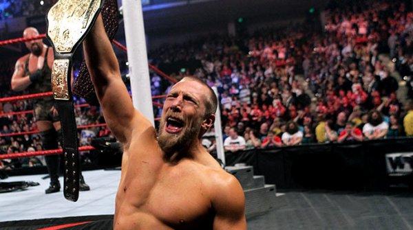 Big Show bat Mark Henry (c).Chairs match pour le championnat du monde poids lourds de la WWE.   Daniel Bryan bat Big Show (c).Match simple pour le championnat du monde poids lourds de la WWE