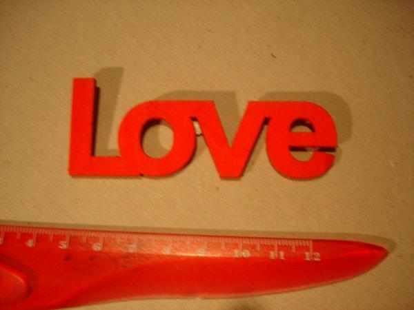 """""""Love """" en bois  couleur rouge"""