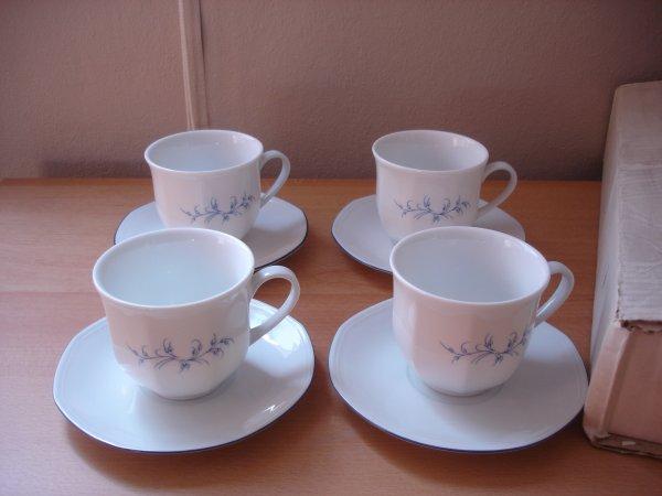 lot de 4 tasses et sous tasses (porcelaine de sologne)