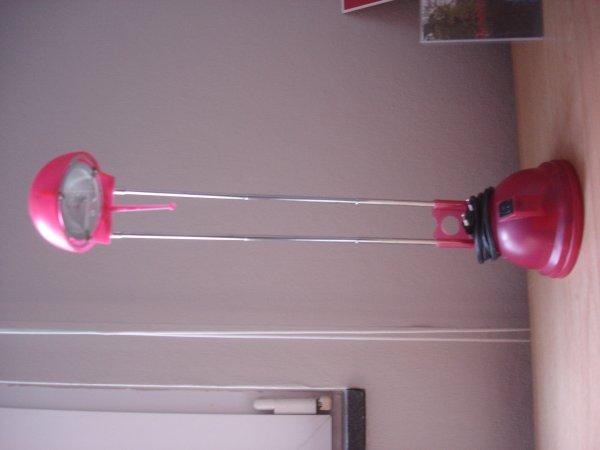 LAmpe de bureau rouge rose