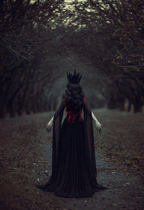 La Reine des Monstres  ( The Queen of Monsters )