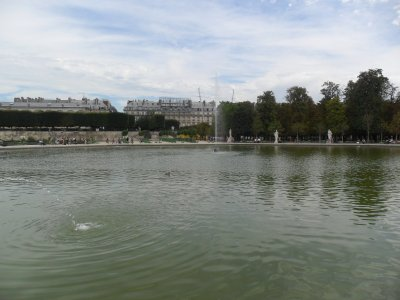 SUITE 1   BALLADE  DANS  PARIS....17  août  2011