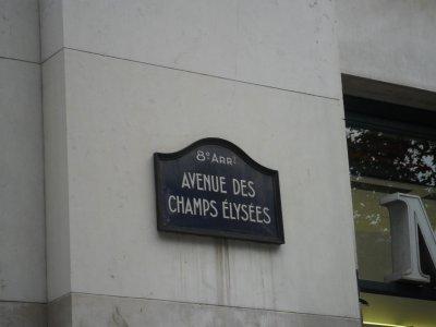 LES  CHAMPS  ELYSEES    Journée  du  17  août  2011