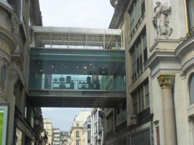 SUITE  QUELQUES  INSOLITES de  PARIS  17 août 2011