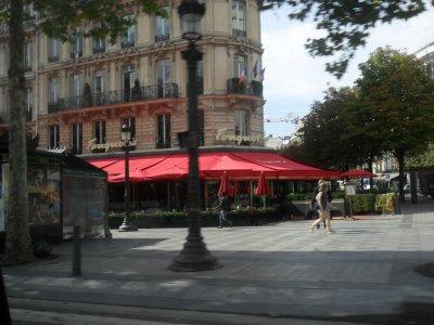 QUELQUES  LIEUX  CONNUS  DE  PARIS...17 août 2011