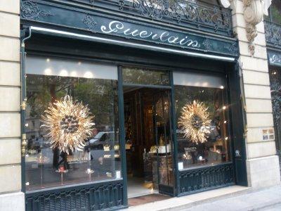SUITE  DE  QUELQUES  MAGASINS  BIEN  CONNUS  A  PARIS... 17 août 2011