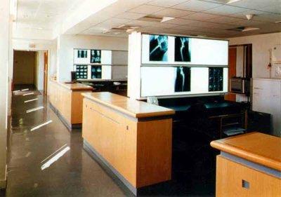HOPITAL  DE  GARCHES - SERVICE RADIOLOGIE/IRM . Le 17  août  2011