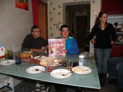 JEUDI 3 NOVEMBRE 2011 - SUITE  DE  MON  ANNIVERSAIRE ET  CELUI  DE MON JUMEAU