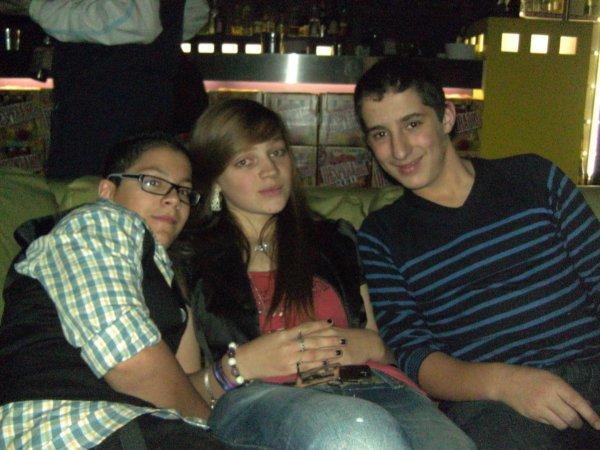 Anniversaiire au flashbowl avec les amis :) <3