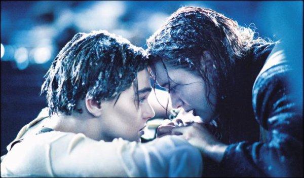 Le plus bel amour ne va pas loin si on le regarde courir. Mais plutôt il faut le porter à bras comme un enfant chéri.