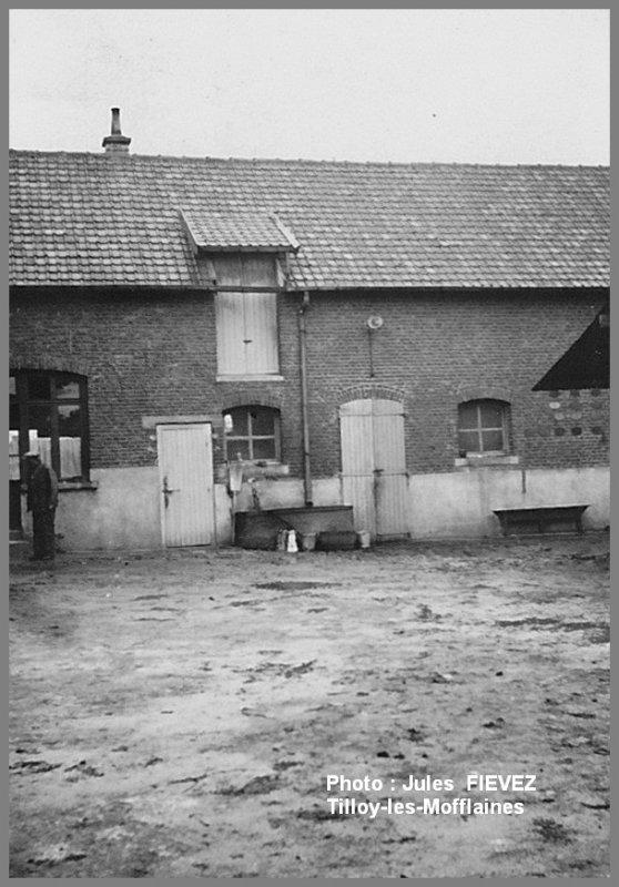 Ferme H DELANNOY à TILLOY-les-MOFFLAINES vers 1937 (?)