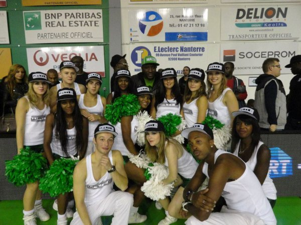 Danse version pompom girl !!!! ^^