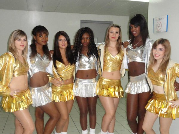 Danse version pompom girl !!!! ^^