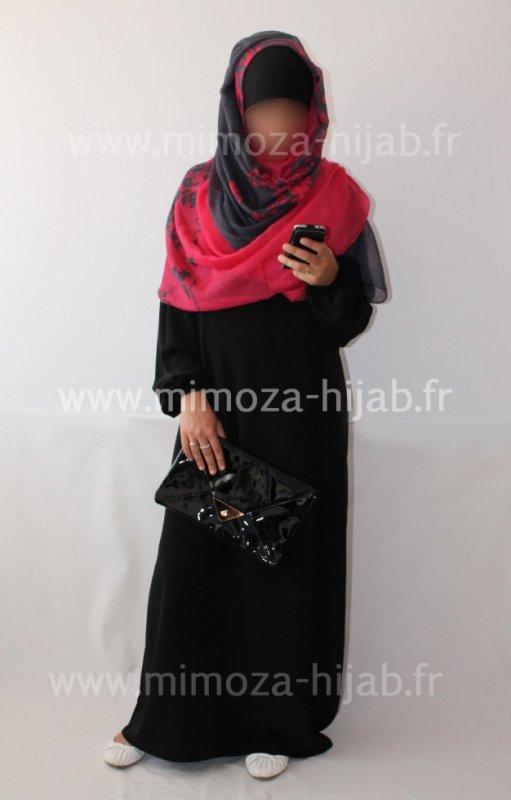 Vente Abaya + Hijab + Sac à Main + Accessoires