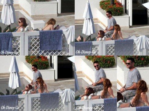 Miley était A la piscine de son hôtel à Rio de Janeiro Au Brésil Le 12 mai 2011