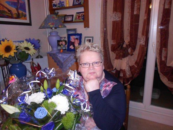 beau bouquet bleu bleu bleu.............