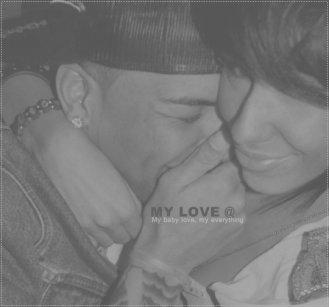 Sans la personne que l'on aime, il nous est impossible d'être heureux. Regarde moi, tu fais mon bonheur bbé.
