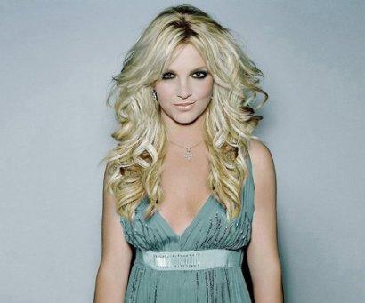 Elle est sublime, magnifique, géniale, sexy, chanteuse de qualité, mon idole depuis 11 ans déjà; Britney Spears ♥♥