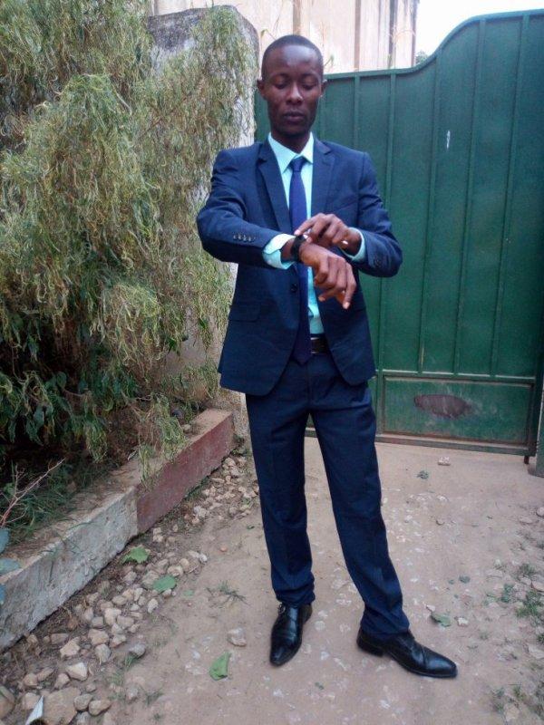jules-mbongo  fête ses 31 ans demain, pense à lui offrir un cadeau.Aujourd'hui à 22:30