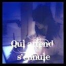 Photo de Qui-attend-s-ennuie