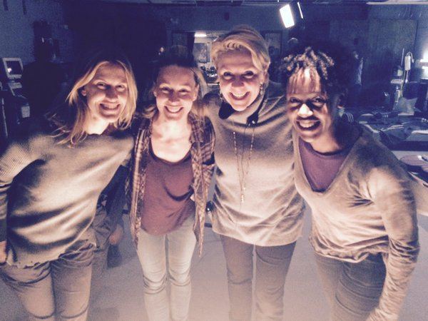 Nouveau Tweet + Photos Flash Back BTS Stargate Atlantis + Nouvelle photo d'Amanda réalisatrice pour la série VanHelsing + ARTICLE FLASH BACK AT7 !