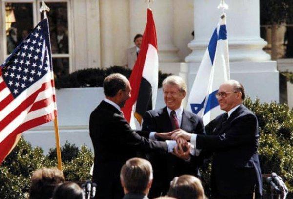 EGYPTE ET ISRAEL SIGNENT LES ACCORDS DE CAMP DAVID (1978) - LOLOSCAR