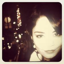 Vanessa Hudgens : pas de fausse modestie, elle sait qu'elle est la plus belle !
