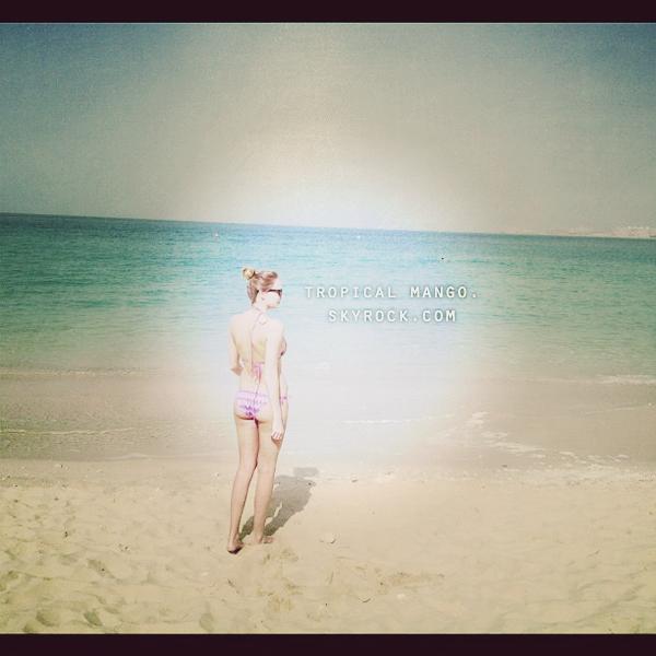 20/02/12 : Nvelle sortie pour Miss Espagne Andrea Huisgen, mais qu'une seule photo.Ci dessous j'ai rajouté une photo d'elle qu'elle avait postée via twitter fin janvier où vous pouvez la voir sans maquillage, Andrea est toujours aussi belle, je pense qu'elle risque de faire un carton à Miss Univers cette année ! Puis deux photos twitter de Miss Pays Bas, Kelly Weekers (j'ai le même maillot, il provient de chez H&M :p). La belle blonde est actuellement en vacances à Dubai.