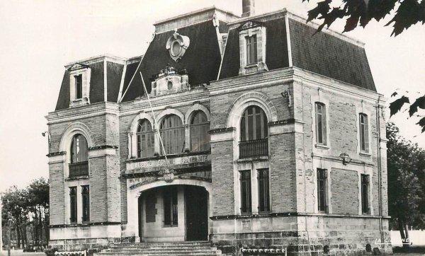 Mairie de Gujan Mestras (avant, après)
