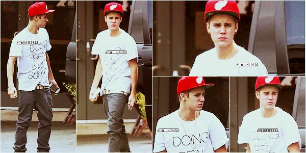 * 25/05/12 :  Justin quittant un studio d'enregistrement à Burbank en Californie. Ton avis ?   *