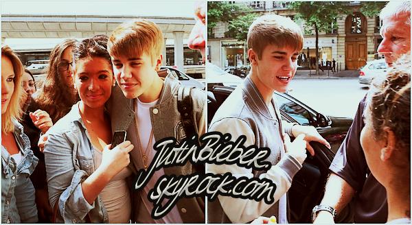 * 31/05/12 :  Justin était à l'antenne de la radio NRJ avec Cauet.    *