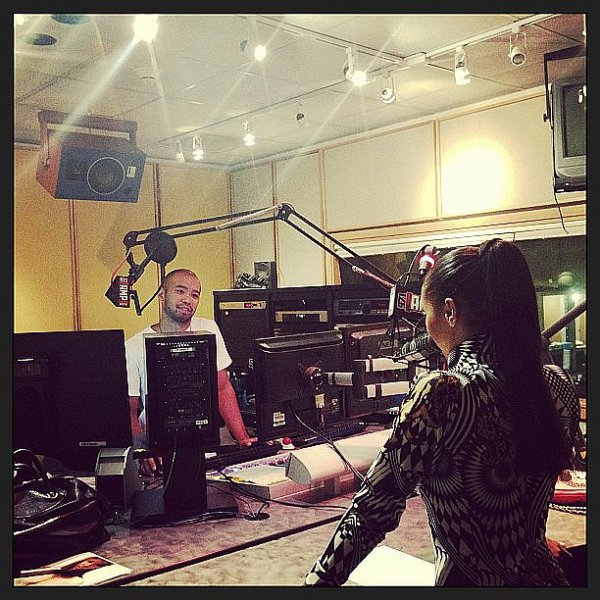 Le 12 Août 2013: Quittant la station radio AMP.