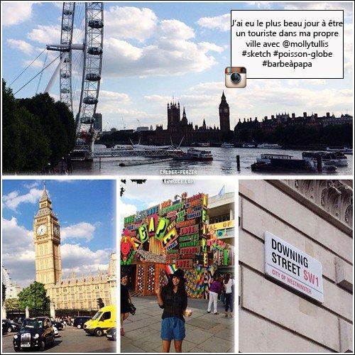 15.09.2014 Danielle visitant sa propre ville accompagnée d'une amie