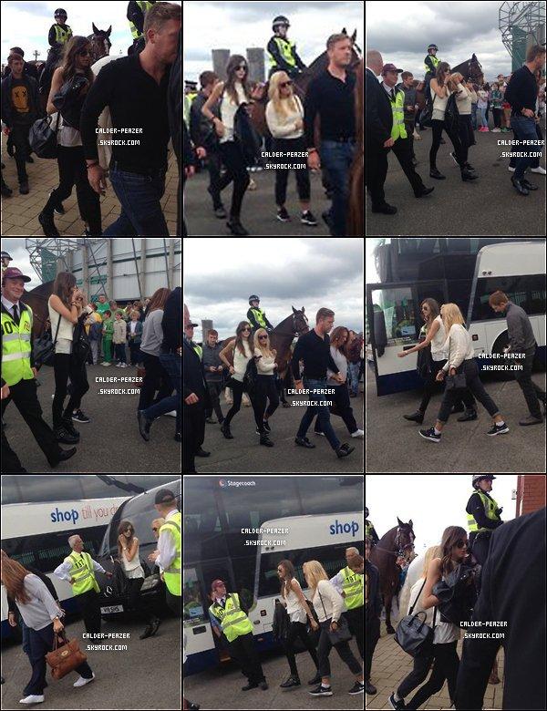 07.09.2014  Eleanor et la famille de Louis dont Lottie arrivant au Celtic Park, en Écosse, pour le match de foot de Louis.