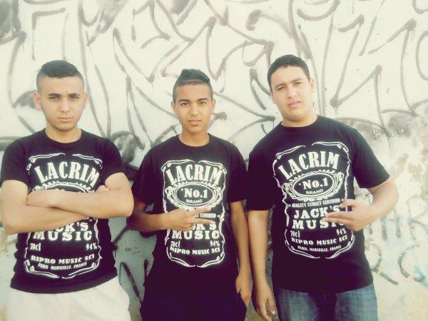 #Team_Lacrim_Avec_LesAmis <3