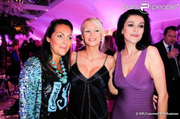 Tatiana-Laurens et Hermine de Clermont Tonerre lors de l'exposition de photos people de Massimo (le14/04:2011)