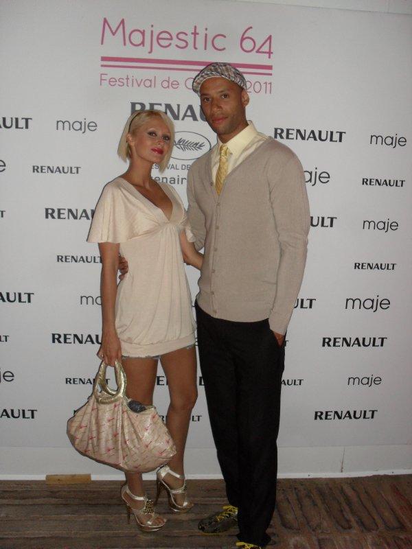 Tatiana-Laurens et Xavier DELARUE à Cannes on Majestic Plage