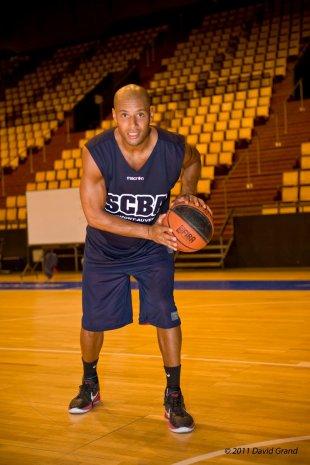 Xavier DELARUE pour WWW.AuvergneSport.Com (Le 23 Aout 2011) (Photo)