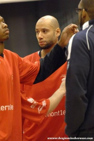 Xavier DELARUE in Clermont-Challans (le 07-02-2012)